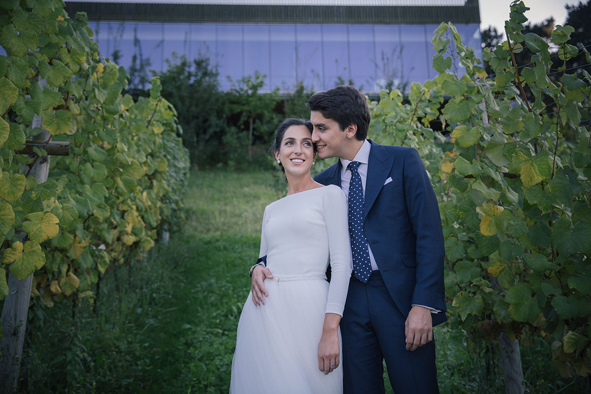 Paula-Borja_couple_photography_bilbao_azurmendi_15